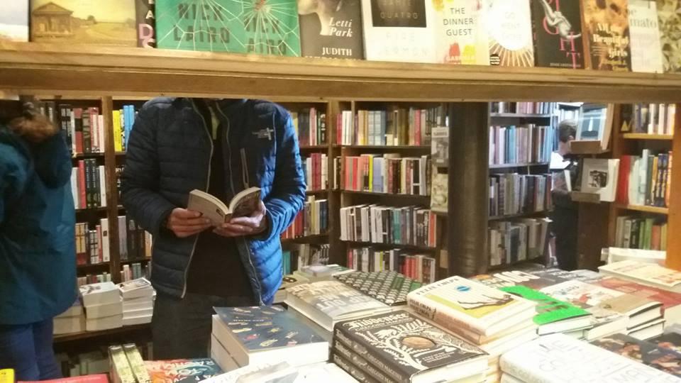 La librería del viejo George. Es la primera vez que vengo a…   by Bernardo José Mora   Siempre es personal